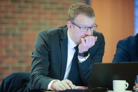PÅ NETT: Knut Broberg, rådmann i Flora kommune, har avslutta alle kommunen abonnement på Firdaposten, også den digitale versjonen av avisa.