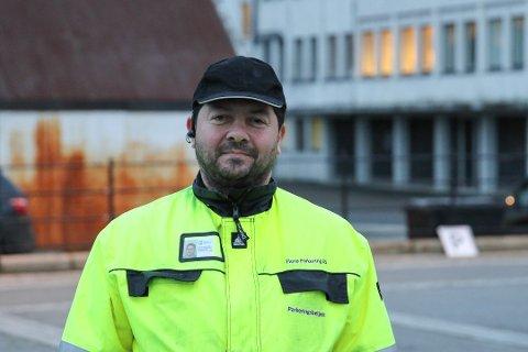 KVALITET KOSTAR LITT: – Vi har eitt av dei finaste gjestebrygganlegga i fylket, og kvalitet og beredskap må nødvendigvis koste litt, seier dagleg leiar i Florø parkering, Jan Harald Arnesen.