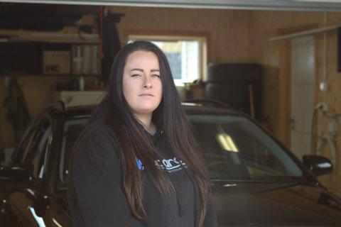 ULYKKE: Charlotte Book var sjåfør i ein av dei to bilane som vart råka av eit flaknedfall i Naustdalstunnelen på laurdag ettermiddag.