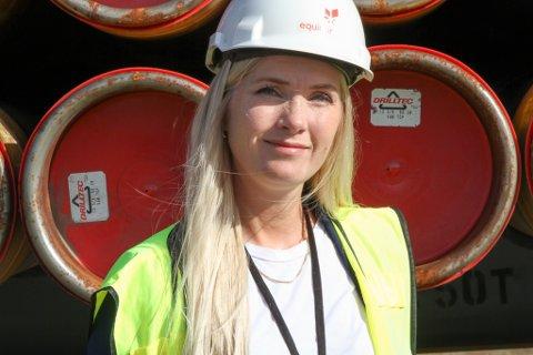 Kari Bjørbæk (39) er ny forsyningssjef ved Equinor på Fjord Base i Florø. Ho har vore i selskapet sidan 2005.