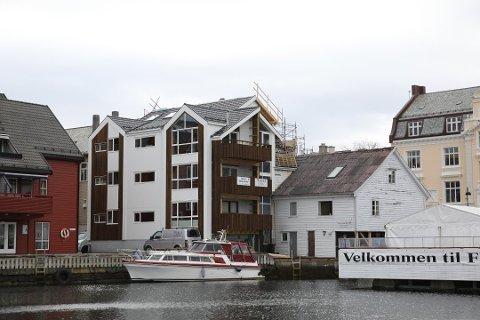Ein av dei nye leilegheitene i Strandgata 25 gjekk for nesten 6,3 millionar kroner no i desember.