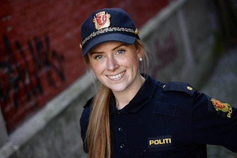 ARVELEG BELASTA: Frida Nordem Føleide har både mamma, mormor og morfar i politiet, så yrkesvalet er kanskje ikkje så uventa for 27-åringen frå Florø.