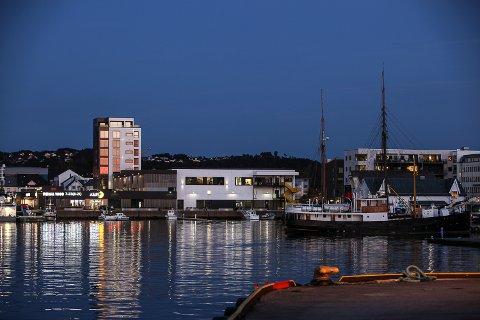 Bortheim-tårnet og eit oppgradert Amfi-senter.Ny skyline i Florø.