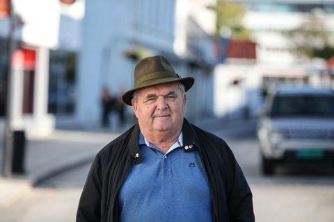 """Knut Magnussen kåserer kring tema å kaste boss der det ikkje høyrer heime i denne vekas """"Knuten på Tampen"""""""