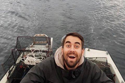 KRABBEFISKAR: 31-åringen Magnus Tronstad er ein ivrig krabbefiskar. Men når folk tømmer teinene hans blir han ikkje like blid.