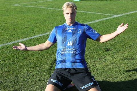 ATTRAKTIV: Jonatan Braut Brunes (20) har vore ein av Florø Fotball sine beste spelarar gjennom sesongen og er toppscorar med 10 mål. Han har kontrakt med Florø ut 2021-sesongen, men fleire klubbar, som framleis spelar kampar, er nok interesserte i signaturen til Florø sin jærbu.