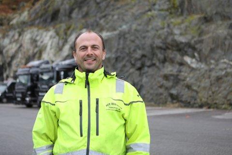 BYGGER I BJERGE: Per Bortheim har fått klarsignal i frå Kinn kommune til å skyte ut 40.000 kubikk med stein til å lage ein fjellhall på 3000 kvadratmeter ved industritomta si i Havikbotn.