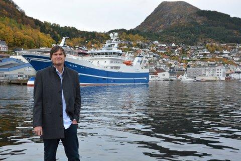Klar for å ta agnframtida: Måløybedrifta Ecobait AS og dagleg leiar Ole Petter Humborstad meiner det nye agnet dei har utvikla vil revolusjonere fiskeriet ved å vere konkurransedyktig på pris, miljøvenleg og ikkje minst ved å bidra til å redusere uønskt bifangst.