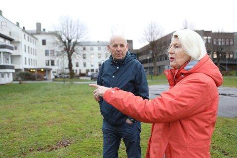 SAMDE: Leiar i Florø Pensjonistlag, Reidun Espeland og leiar i Kinn Eldreråd Arne Rognaldsen er begge overtydde om at satsinga på eldre Florø, må vere med sjukehuseigedommen som utgangspunkt.
