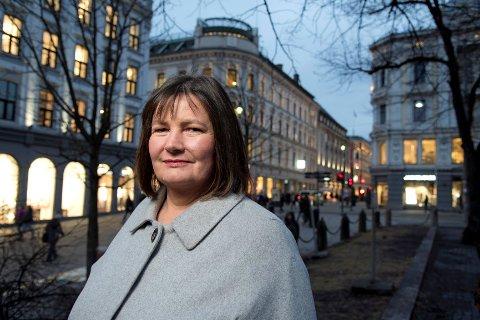 MÅ TA SLUTT: Praksisen med at born med norsk statsborgarskap endar med å bli buande på asylmottak og blir kasteballar, må opphøyre, sa generalsekretær Henriette Westhrin i Norsk Folkehjelp allereie i 2018. Men lite har endra seg.