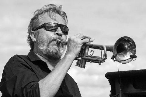 BAUTA: Med sju Spelemannsprisar er Nils Petter Molvær ein av dei verkeleg store i norsk musikk. No kjem han til Vesle Kinn- og Firdaposten.