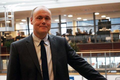 PASS DEG: Svindelekspert Andreas Nordbø i Danske Bank advarer mot nye svindelmetoder, og merker sterk økning i pågangen på telefonen hos dem. Foto: Danske Bank