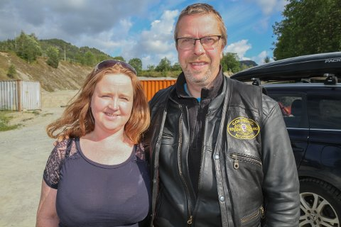 TØFF TID I VENTE: Nina Beate Yndestad Fløholm og mannen Ronny skulle eigentleg gå sin beste sesong i møte på familiegarden. No blir det truleg den verste.