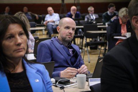 RYKK TILBAKE: Frank Willy Djuvik (Frp) fremja forslaget om å gå tilbake til likningstakst som grunnlag for bustad og fritidseigedomar for 2021.