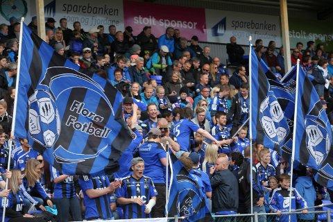 Frå fotballkampen Florø-Førde 16. mai 2015
