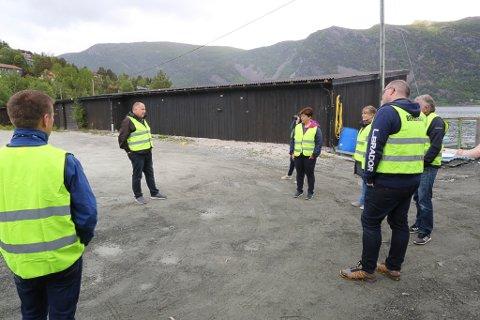 SYNFARING: Sentrale politikarar på synfaring for å sjå på moglegheiter for industriutvikling i Breivika i 2017.