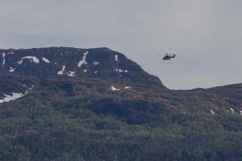 Redningshelikopteret over Høydalsnipa
