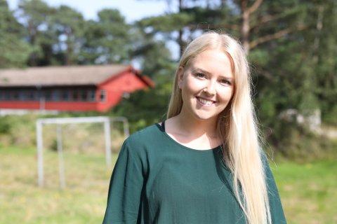 NYTILSETT: Malin Standal (24) er nytilsett aktivitetsleiar ved Solbakken Asylmottak. Ho er nyutdanna spesialpedagog og interkulturell pedagog.