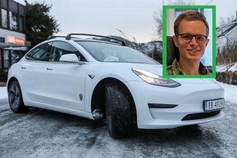 KAN BLI BETRE: Hans Erik Stenseth kjøpte seg Tesla i sommar. Han har vore overentusiastisk heilt fram til frosten kom. - No er eg litt meir lunken, seier han.