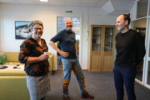 TØFT ÅR: Administrerande direktør i Norwell, Ingrid Kassen, Vise-administrerande direktør Per Vidar Ottesen og driftssjef Tor Hjalte hadde eit utfordrande 2020. Men dei kom trygt i hamn til slutt.