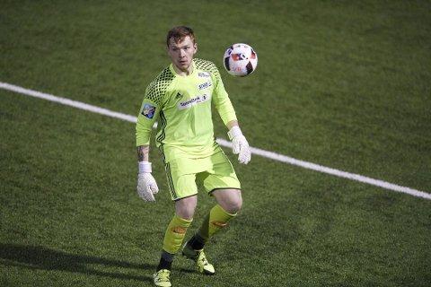 SISTESKANSE: Denne mannen skal prøve å halde buret rent for Florø Fotball dei neste to åra.