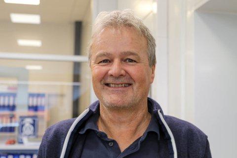 FULLT TRØKK: Geir Angell-Jacobsen hos Berge & Co fortel at florøværingane var raskt ute med å bestille time til dekkskift då den første frostnatta kom.