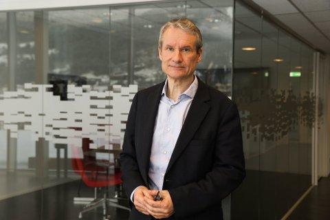 MÅ BLI PERMANENT: Olve Grotle (H) vil ha eit meir føreseieleg tilbod på Florø lufthamn. Midlertidig er ikkje godt nok.