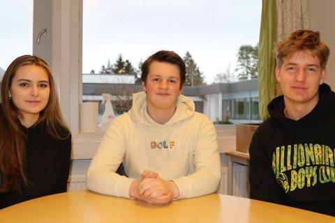 AVLYST EKSAMEN: Elevane håper ordninga blir mest mogleg rettferdig. Frå venstre: Milli Fjæreide Cetin, Martin Solheim, Vebjørn Solberg.