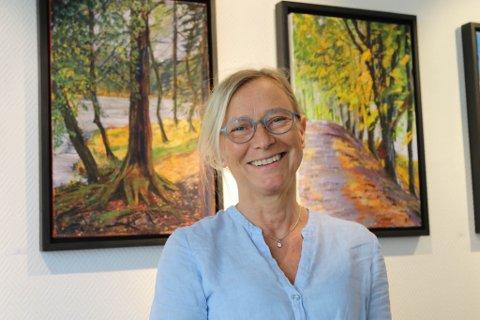 TANNLEGE MED HOBBY: Ann-Jeanette Mølster er til vanleg tannlege i Florø. Likevel er det kunsten som har opptatt mykje av livet hennar.