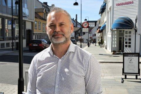 UAKTUELT: Kinn-ordførar Ola Teigen meiner Kinn verkeleg har kome opp i plan halvanna år etter at kommunen var oppretta.