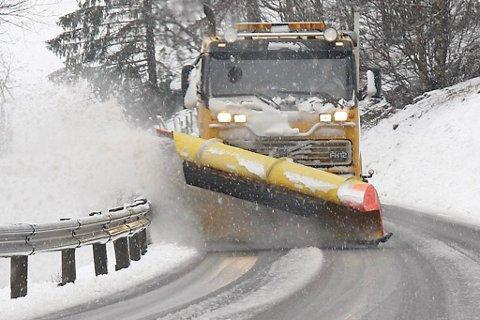 SNØ: Store snømengder fører til at alle brøytebilane til Statens vegvesen er i arbeid.