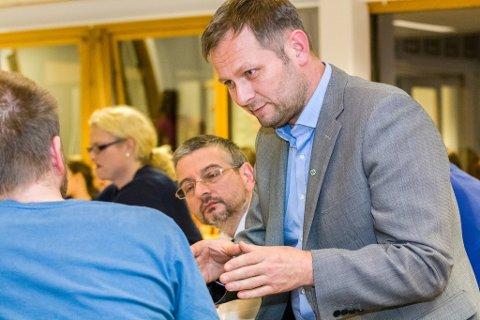 NY ORDFØRAR: Kjetil Høgseth Felde har vore i politikken lenge. Her er eit bilde av han frå 2015 i Fjaler kommunestyre.