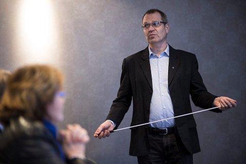 Fylkesrådmann Tore Eriksen orienterte fylkesutvalet om Havila-tilbodet under eit telefonmøte fredag ettermiddag. Fleire uttrykte at dei støtta hans vurdering i å avvise tilbodet, men etterlyste informasjon til fylkesutvalet.