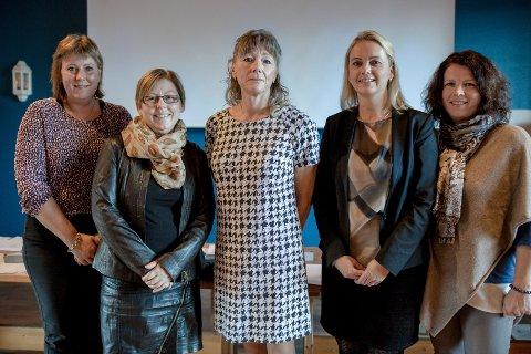 I Gaular kommunestyre 2015-2019 er alle gruppeleiarane kvinner. Det trur dei blir eit godt samarbeid. Fv. Kari Iren Birkeland (Sp), Norunn Lunde Furnes (KrF), Anita Eide Kvamme (Ap), Anne Kristin Lilleaasen (H) og Heidi Vallestad (SV).