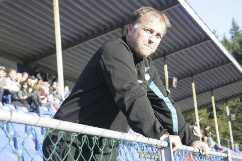 PAUSE: Robert Endestad frykter at halve fotballsesongen ryk før ein kjem i gang med kampar.