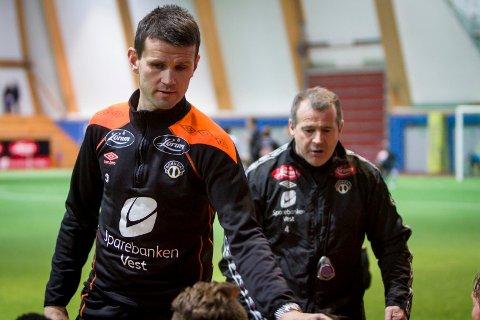 Manager Eirik Bakke og trenar Ian McPharland måtte sjå at det vart 1-3-tap mot Tromsø i Spania torsdag ettermiddag.