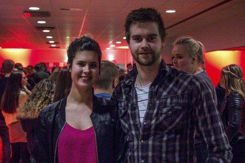 På jakt: Nadia Vaulen (26) og Thomas Grimsbø (25) var på Lynkurs for bustadkjøp med Sparebanken Vest. Målet er å finne eit hus ein stad mellom Førde og Vassenden. Foto: Frode Grimelid