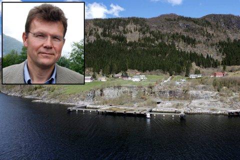 UTAN AVTALAR: – Per no står Nordic Mining utan avtalar med grunneigarane, seier selskapets direktør Ivar Fossum.