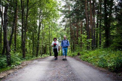 Minnemarkering for 22. juli på Utøya 2015. Minnemarkering etter terroren 22.07.2011. Kolbein og Eva Fridtun.