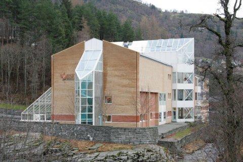 Fossbygget, administrasjonsbygget til Høgskulen i Sogn og Fjordane