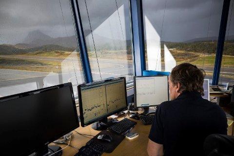 Avinor Førde Lufthavn Bringeland Lufthamn Widerøe fly trafikk transport flygeleder rullebane