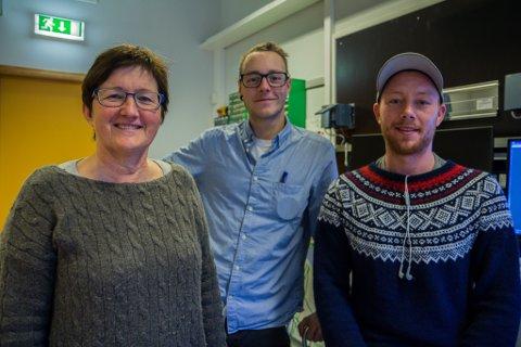ENGASJERTE STUDENTAR: Eli Nummedal, likar godt når ingeniørstudentar som Kristoffer Frivik Presthaug (t.v.) og Lasse Henden er aktive i studentmiljøet.