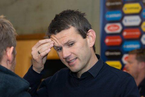 Eirik Bakke fortvilar etter 1–0 tapet mot Strømsgodset i fjor. Under laurdagens treningskamp mot samme lag fekk Sogndal det endå tøffare.