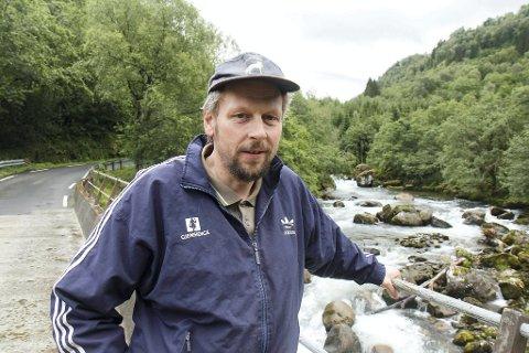 TREGT: Nils-Magne Gjengedal ber om at Hyen-grender blir prioritert med breiband.