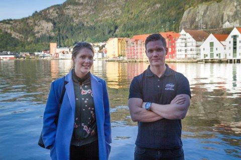 Marte Vassbotten og Erlend Vassbotten ved Lerøy i Bergen. Steinvik Fiskefarm, laksearvingane, oppdrett