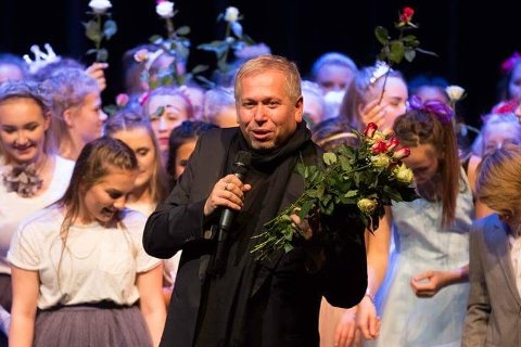 Ove Henning Solheim sitt klesselskap er konkurs, og blir tvangsavvikla grunna kommunikasjonsvikt. Bildet er frå Dans Uten Grenser, som er uavhengig av klesmerket.