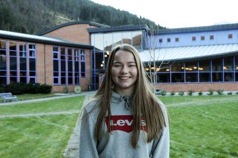 FERSK, MEN GOD: Oda Helene Sunde Svendsen (16) vann nyleg NM i vektløfting, etter berre sju månadar trening.