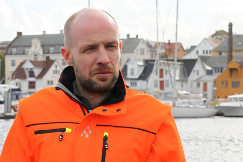 KRITISK: – Det er ikkje rett å ha subsidierte flyruter i Førde når Florø ikkje har det, seier Frank Willy Djuvik (Frp).