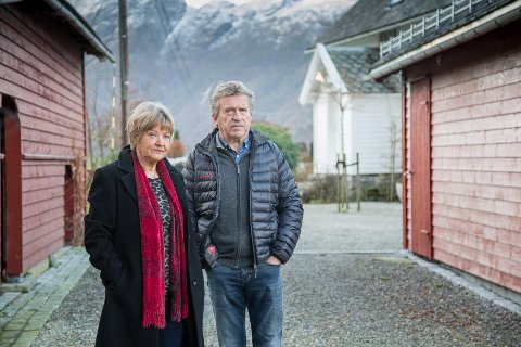 TVIST: Ekteparet Per og Aslaug Løbø Navarsete har kjempa i årevis for retten til å halde tunet sitt privat. No ser saka ut til å hamne i retten.