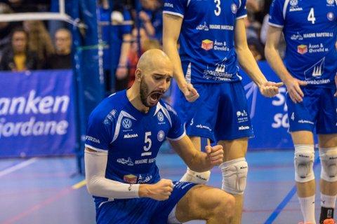 Mathias Loftesnes tok 22 poeng då Førde slo det danske laget Ishøj.
